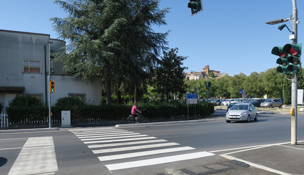 Attraversamento via Emilia-Montevecchi